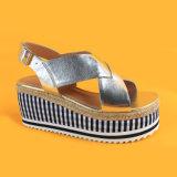 Sandali Strappy della iuta dei cunei della piattaforma dell'oro delle donne per la signora