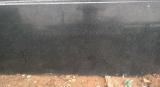 灰の黒い花こう岩の平板のタイル