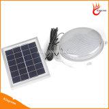 Angeschaltenes Innendeckenleuchte-Solargarten-kampierendes Solarlicht