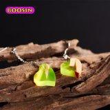 Joyería de madera del pendiente de la resina hecha a mano del amor de las muchachas de la manera