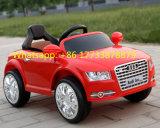 Le véhicule électrique d'Audi A8l badine le jouet en plastique