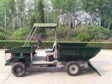 Camion de ferme à quatre roues avec une lourde boîte de benne