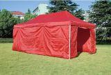 屋外の折るテントを広告する3X3