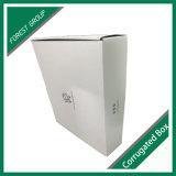 Boîte en carton ondulé blanc avec impression de logo