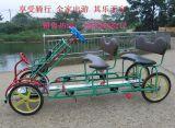 Bici a quattro ruote locativa del Surrey della famiglia della sosta con la sede del bambino
