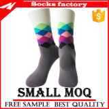 Носки оптового цветастого Mens счастливые и более дешевые носки