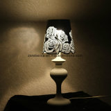 Lámpara de mesa de flores de acero inoxidable de estilo europeo Rose