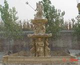黄色い大理石の石造りの切り分ける噴水