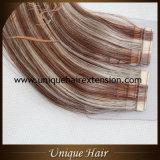 Estensioni di trama dei capelli del nastro dissipate doppio all'ingrosso di colore del piano