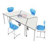 قاعة الدرس تعاونيّ يعلم طاولة مع تخزين