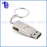 Memory Stick металлического поворотного флэш-накопителей USB при ключе зажигания в цепи