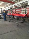 Weled赤い塗られた鋼管はとの消火活動のための各端に溝を作った