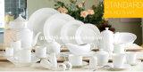 Assortiment de vaisselle en porcelaine blanche à forme ronde
