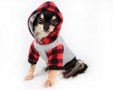 Vêtements mignons faits sur commande d'animal familier avec rayé