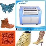 Chiffon de compétitivité des prix / chaussures / cuir / tissu Gravure au laser CO2 & Machine de coupe