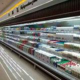 Frigorifero aperto della visualizzazione del supermercato dei prodotti lattier-caseario della parte anteriore di Multideck