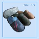Männer wärmen weiche Innenschlafzimmer-Hefterzufuhr-Schuhe für Winter