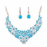 Gli orecchini della collana di diamante di modo hanno impostato l'insieme dei monili della sposa