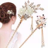I capelli variopinti della farfalla del Rhinestone della clip di capelli delle donne eleganti attaccano i capelli
