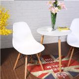Cadeira projetada moderna por atacado Emes plástico da sala de estar que janta a cadeira