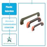 Maniglia di portello di plastica di modellatura personalizzata degli accessori della mobilia dei prodotti dell'iniezione di plastica