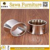Dekorativer und Goldplastikserviette-Ring für Hochzeitsfest