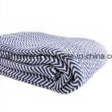 編まれたワッフルの純粋な綿毛布
