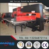 좋은 품질을%s 가진 최신 판매 HP30 CNC 포탑 구멍 뚫는 기구 기계 중국제