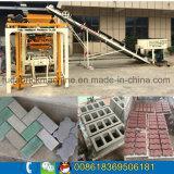 Máquina média do tijolo da máquina/Paver de molde do tijolo de Qt4-24b para a venda