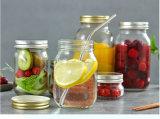 La mise en conserve des aliments en verre bouteille avec couvercle hermétique de l'étain