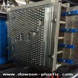 Tabela plástica que funde dando forma a moldes da máquina