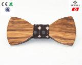 Handcraft la pajarita elegante de la celebración del Mens de madera de la pajarita