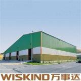 鋼鉄の梁が付いているプレハブの鋼鉄構造産業工場の倉庫