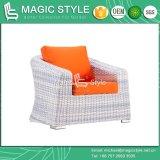クッションの藤の柳細工の2シートのソファーのテラスの柳細工のソファーの一定の庭の単一のソファーの柳細工の編むソファーの一定のホテルのプロジェクトのソファーが付いている屋外の柳細工のソファーセット
