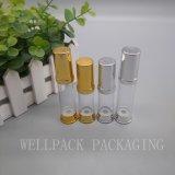 bottiglia senz'aria di imballaggio di plastica dell'oro di 15g 30g 50g con la pompa