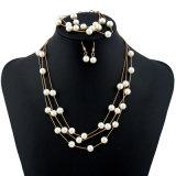 Braccialetto stabilito della collana dell'orecchino della perla 3 bianchi dolci per strati delle ragazze di modo i multi