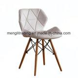 表の台所のための木製の足EMS様式の椅子PUの革シートの食事