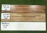 Azulejo de suelo de madera de cerámica de la talla múltiple caliente de la venta