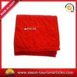 Одеяло авиакомпании красного обруча вышивки