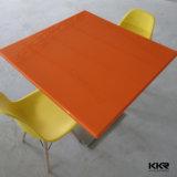 Искусственным мрамором раунда твердой поверхности обеденный стол сверху
