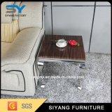 Домашняя мебель в таблице вверху в центре стола сбоку стола