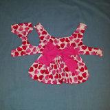 Robe de crabot avec les coeurs roses