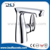 Miscelatore d'ottone del rubinetto dell'acquazzone della presa della parte superiore del bicromato di potassio della vasca da bagno fissata al muro