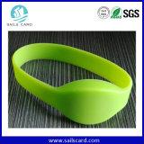 Горячие браслеты силикона сбывания 125kHz/134.2kHz RFID зеленые