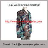 Uniforme di vestito militare poco costosa all'ingrosso da battaglia del camuffamento del terreno boscoso della Cina Bdu