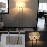 Métal d'hôtel moderne et lampe d'étage décoratifs de qualité de tissu