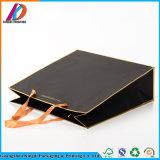 Sac de papier estampé noir simple de métier avec le traitement de bande