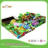 Cour de jeu d'intérieur de nature d'enfants de thème de jungle