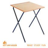 木の単一の学校の金属の机