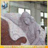 Высеканная рука Headstone конструкции ангела